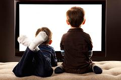 kids-watching-TV