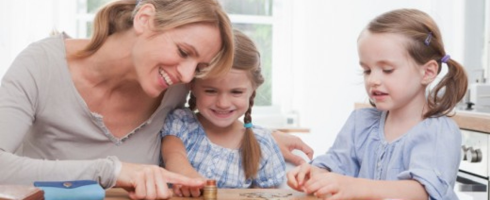 Use These 4 Strategies for Teaching Kids About Money